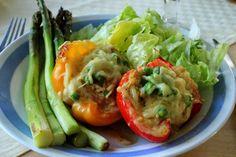 Huvilaelämää ja mökkiruokaa: Kanakastikkeella täytetyt grillipaprikat kahdelle