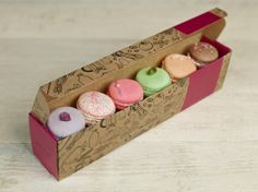 Build your own macaron box on our website!