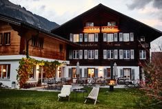 lenk lodge Weekend Vacations, Cabin, Explore, Mansions, House Styles, Places, Destinations, Home Decor, Traveling