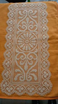 Crochet Table Runner Pattern, Crochet Placemats, Crochet Doilies, Crochet Hats, Fillet Crochet, Crotchet Patterns, Filets, Table Runners, Baby Knitting