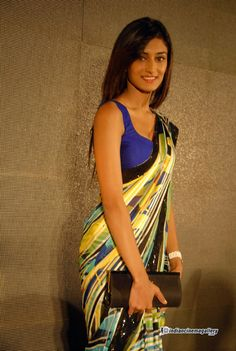 Erica-Fernandes-at-Ninnindale-Audio-Release-(3)