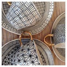 Suzanne Sullivan Ceramics More sets! Ceramic Cups, Ceramic Pottery, Pottery Art, Ceramic Art, Pottery Painting, Ceramic Painting, Hand Painted Ceramics, Porcelain Ceramics, Suzanne Sullivan Ceramics