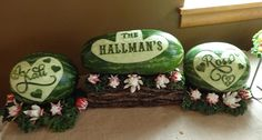 Cindy Rozich created watermelon carvings, and fruit & vegetable trays to fit a Western theme wedding reception. You can DIY wedding reception carvings too. Veggie Display, Cowboy Chic, Diy Wedding Reception, Watermelon Carving, Western Theme, Food Design, Helpful Hints, Canning, Fruit