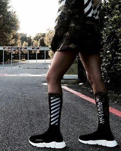 hypebae/ off white/ balenciaga Skinny Fashion, Balenciaga Sneakers, Fashion Shoes, Fashion Outfits, Balenciaga Speed Trainer, Look Cool, Urban Fashion, Streetwear Fashion, Baskets