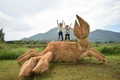 Amy-Goda-rice-straw-dinosaurs-10