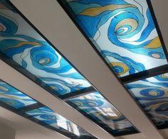 استفاده از طلق سبک و طراحی آن با استفاده از هنر ویترای(کار دست) با رنگ های قابل شستشو و شفاف . یومی خانه - اولین شبکه اجتماعی دکوراسیون و معماری ایران برای مشاهده عکس های بیشتر به وب سایت یومی خانه مراجعه کنید http://umekhane.com