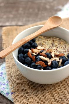 With just a handful of ingredients and 15 minutes to spare, you'll get a bowl of warm flaxseed porridge, topped with fresh blueberries and sliced almonds.