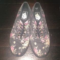 Floral print vans Only worn once. In very good condition. Vans Shoes Sneakers
