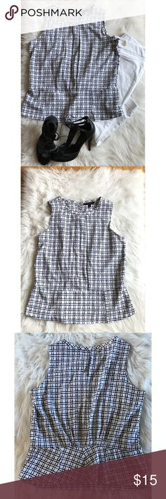 """Banana Republic Size 8 Black White Peplum Top EUC Banana Republic Women's Size 8 Black White Check Sleeveless Peplum Top. Preowned With Normal Wear ( no flaws).  Armpit To Armpit 20"""" Waist 35"""" Shoulder To Hem 24""""  Please let me know if you have any additional questions and I will get back to you ASAP. Follow my store new items are added daily. Banana Republic Tops Blouses"""