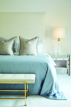 Hempel Gardens Penthouse Apartment by BradyWilliams Hyde Park London, Penthouse Apartment, Pent House, Luxury Interior Design, Blanket, Bedrooms, Gardens, Furniture, Gray