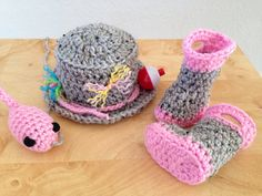 Fishing Fisherman Hat 4 pc Set w/ Waders, Boots & Fish, Photography Prop - this would be adorable lol