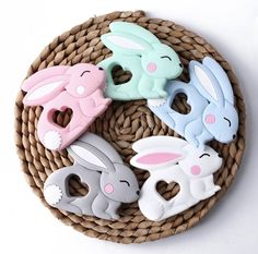 Beissringmotiv Hase Baby Shoes, Desserts, Kids, Food, Hare, Card Stock, Tailgate Desserts, Young Children, Deserts