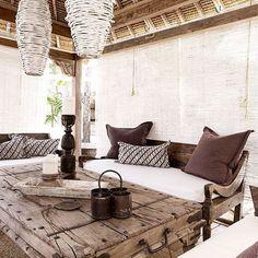 Outdoors indoors | Hav'eli House. @villastyling . . . . #boholuxe #islandcottage #photoshoot #summer #beach #homestyling #villa #byronbay #bali #airbnb #stay #inspiration #accommodation #homewares