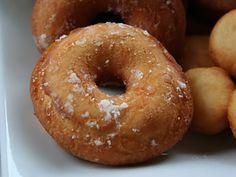 Beignes au Sucre à l'ancienne Beignets, Cupcake Recipes, Dessert Recipes, Dessert Ideas, Canadian Dishes, Donut Muffins, Christmas Preparation, Creative Food, Doughnuts