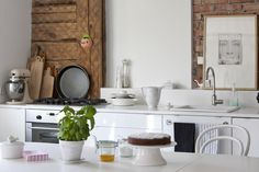 Drewniana chata za miastem / Joanna Gwis – nowoczesna STODOŁA | wnętrza & DESIGN | projekty DOMÓW | dom STODOŁA