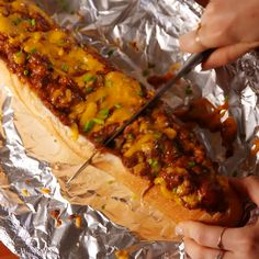 Everyone's your bff when you bring these to the party. Get the recipe at Delish.com. #delish #easy #recipe #loaf #bread #baguette #chili #chilicheese #cheese #chilicheesedog #superbowl #gameday #partyideas #chives Party Food Recipes, Parties Food, Fingerfood Recipes, Appetizers For Party, Appetizer Recipes, Noodle Recipes, Cooking Videos Tasty, Cooking Tv, Cooking Pasta