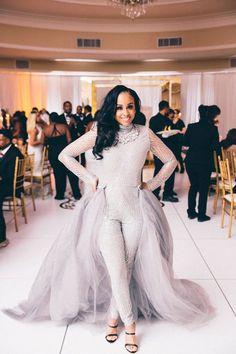 Trendy Wedding Reception Dress For Bride Ideas Wedding Jumpsuits For Brides, Muslim Wedding Dresses, Wedding Rompers, Lace Bride, Wedding Bride, Dream Wedding, Wedding Ideas, Wedding Details, Wedding Photos