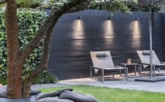 Beamy Royal Botania wall spotlight - Katei Outdoor Design Source by Fence Lighting, Landscape Lighting, Outdoor Lighting, Lighting Ideas, Back Gardens, Outdoor Gardens, Outdoor Rooms, Outdoor Decor, Garden Architecture