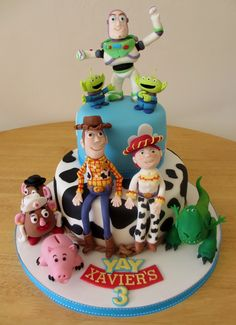 Woody, Buzz, Jesse Rex, Mr and Mrs Potato Head, Ham and Aliens. Made of sugarpaste. Toy Story Birthday Cake, Toy Story Party, Third Birthday, Birthday Cakes, Birthday Ideas, Birthday Parties, Cake Cookies, Cupcake Cakes, Cupcakes
