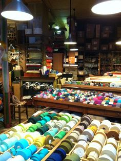 Ultramod via Second Hand Parisienne Mercerie Paris, Boutiques, Boutique Haute Couture, Techniques Couture, Passementerie, Couture Sewing, Yarn Shop, Craft Shop, Sewing Hacks