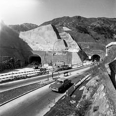 Work on the second Lion Rock Tunnel. In the days when traffic was light.