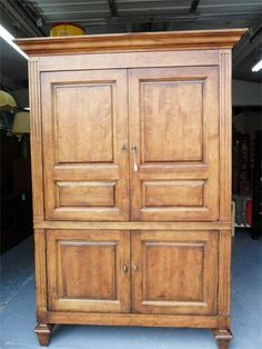 Hutch : with drawers and shelves