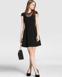 Vestido de mujer Fórmula Joven en color negro con encaje
