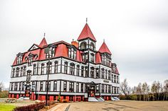 Dropped by the Lunenburg Academy a few weeks ago. One of my favorite buildings in Nova Scotia. A beautiful structure.