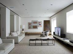 Casa Quindiciquattro, progettata da Fabio Fantolino, si trova nel cuore di Torino, inserita in un contesto storico eterogeneo costituito