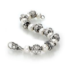 While most do Pandora .... I collect Trollbeads :)
