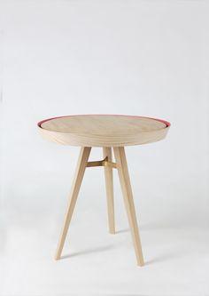 "Consulta este proyecto @Behance: ""Yoav table"" https://www.behance.net/gallery/34744809/Yoav-table"
