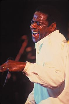 Al Green, singing his heart out Soul Music, Music Tv, New Music, I Love Music, Make Mine Music, Al Green, R&b Artists, Smooth Jazz, Rhythm And Blues