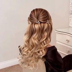 Ginger Blonde Hair, Cool Blonde Hair, Golden Blonde Hair, Dyed Blonde Hair, Blonde Braids, Ash Blonde, Blonde Ombre, Bleach Hair Dye, Blonde Pixie Cuts