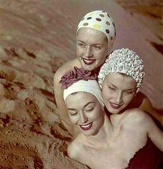 photo by Loomis Dean (Tippi Hedren, top), swim caps Moda Vintage, Vintage Love, Vintage Beauty, Vintage Ladies, Retro Vintage, Vintage Fashion, Women's Fashion, Vintage Photographs, Vintage Photos