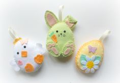 This listing is for a set of 9 felt Easter decorations (3 bunnies, 3 eggs, 3 chicks), to be hung individually or strung along the supplied length of ribbon as a garland.  Look at my other listings to see other sets and individual decorations.  The Easter Friends Garland is also available as a Make Your Own kit to sew at home.