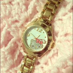 Hello Kitty watch In new perfect condition. NEEDS BATTERY!. Comes with everything you see in photos. Also comes with an extra links. Feel free to bundle with my discount. Hello Kitty Other