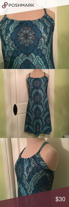 Teal cotton dress. Quinn by Prana. Built in bra with razor back detailing. 100% cotton super comfortable! Prana Dresses Midi