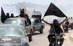 Russlands Außenminister Sergej Lawrow hat seinen US-Amtskollegen John Kerry in einem Telefonat darauf aufmerksam gemacht, dass die USA Waffen an das Terrornetzwerk Dschebhat an-Nusra (Fatah al-Scham) liefern. Dabei berief er sich auf Offenbarungen von Feldkommandeuren der Terroristen, wie das russische Außenamt am Mittwoch mitteilte.