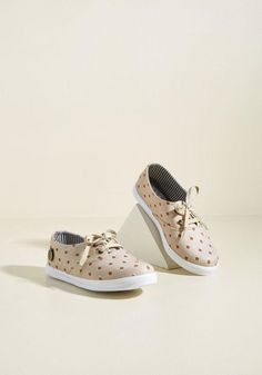 0d9b0829e6 ModCloth - Loly in the sky Loly in the sky Critter Fix Printed Sneaker in 8