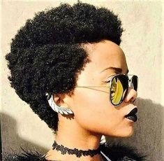 Vos cheveux naturels sont une bénédiction, sublimez les grâce aux coiffeuses Be Nappy  Excellent week-end à toutes!!  Rendez-vous surwww.benappy.fr   #nappy #hair #benappy #hairstyle #noir #paris #france #black #blackness #blackhair #nappyhair #afrohair #afrostyle #naturalhair #braids #tresses #nattes #cheveuxcrepus #afrohairtsyle #africanbeauty #curlyfro #coiffureadomicile #cheveuxnaturels #afro #tissage #crochetbraidstyles #crochetbraids #hairgoal #afrohair #afrolife