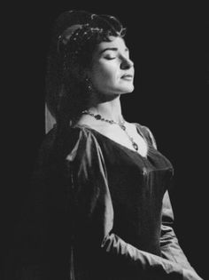 1955 as Leonora in I