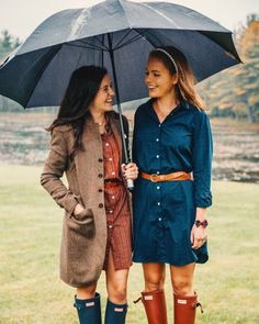 Rainy Day Outfit For Work, Outfit Of The Day, Fall Winter Outfits, Autumn Winter Fashion, Preppy Outfits, Cute Outfits, Preppy Fashion, Hunter Boots Outfit, Rainy Day Fashion