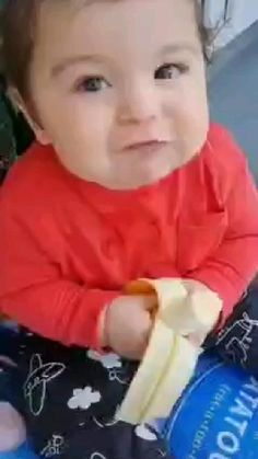 Cute Funny Baby Videos, Cute Funny Babies, Funny Short Videos, Funny Kids, Funny Cute, Cute Baby Quotes, Cute Little Baby Girl, Wife And Kids, Some Funny Jokes