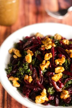 Kale & Beet Salad with Candied Walnuts & Balsamic Vinaigrette (kale dominates. Reokace with mix spinach & kale. Candied walnuts are delicious) Beet Recipes, Whole Food Recipes, Salad Recipes, Vegetarian Recipes, Cooking Recipes, Healthy Recipes, Locarb Recipes, Atkins Recipes, Bariatric Recipes