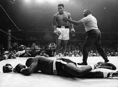 Ali knocks out Liston (1965)