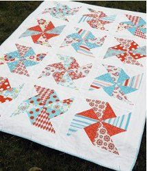 Sewing Quilts Summer Sewing ~ Pinwheels in the Park Pattern Tutorial Diy Quilt, Patchwork Quilt, Easy Quilts, Aqua Quilt, Chevron Quilt, Quilting Projects, Quilting Designs, Sewing Projects, Quilting Ideas
