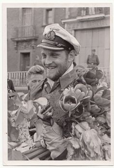✠ Erich Topp (2 July 1914 – 26 December 2005) RK 20.06.1941 Oberleutnant zur See, Kdt. U-552 [87. EL] 11.04.1942 Kapitänleutnant, Kdt. U-552 [17. Sw] 17.08.1942 Kapitänleutnant, Kdt. U-552