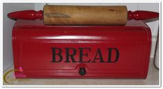 Bread Box & Rolling Pin - want this bread box! jt