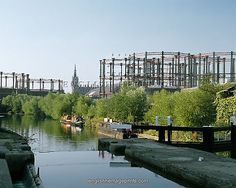 Pre Eurostar Kings Cross gas holders, like giant crowns along the Regents Canal Old London, West London, Regents Canal, Old King, Camden Town, London History, Crowns, Architecture, City