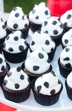 Farm Animal Birthday, Farm Birthday, Barnyard Party, Farm Party, Cow Birthday Parties, Toy Story Cupcakes, Panda Party, Cowgirl Party, Toy Story Party